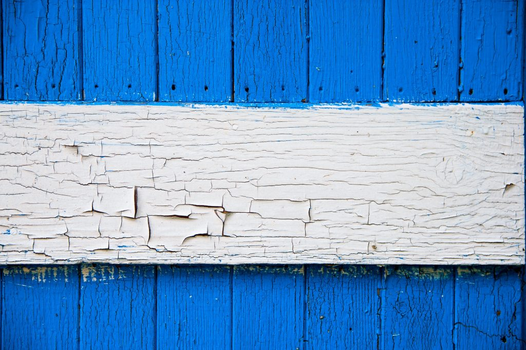 Wooden panels painted in blue and white colours