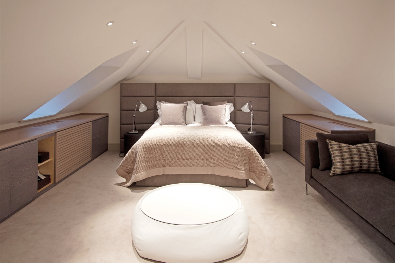 Image of a modern loft conversion bedroom example