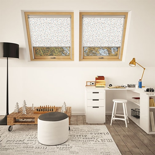 Translucent skylight blinds for roof windows