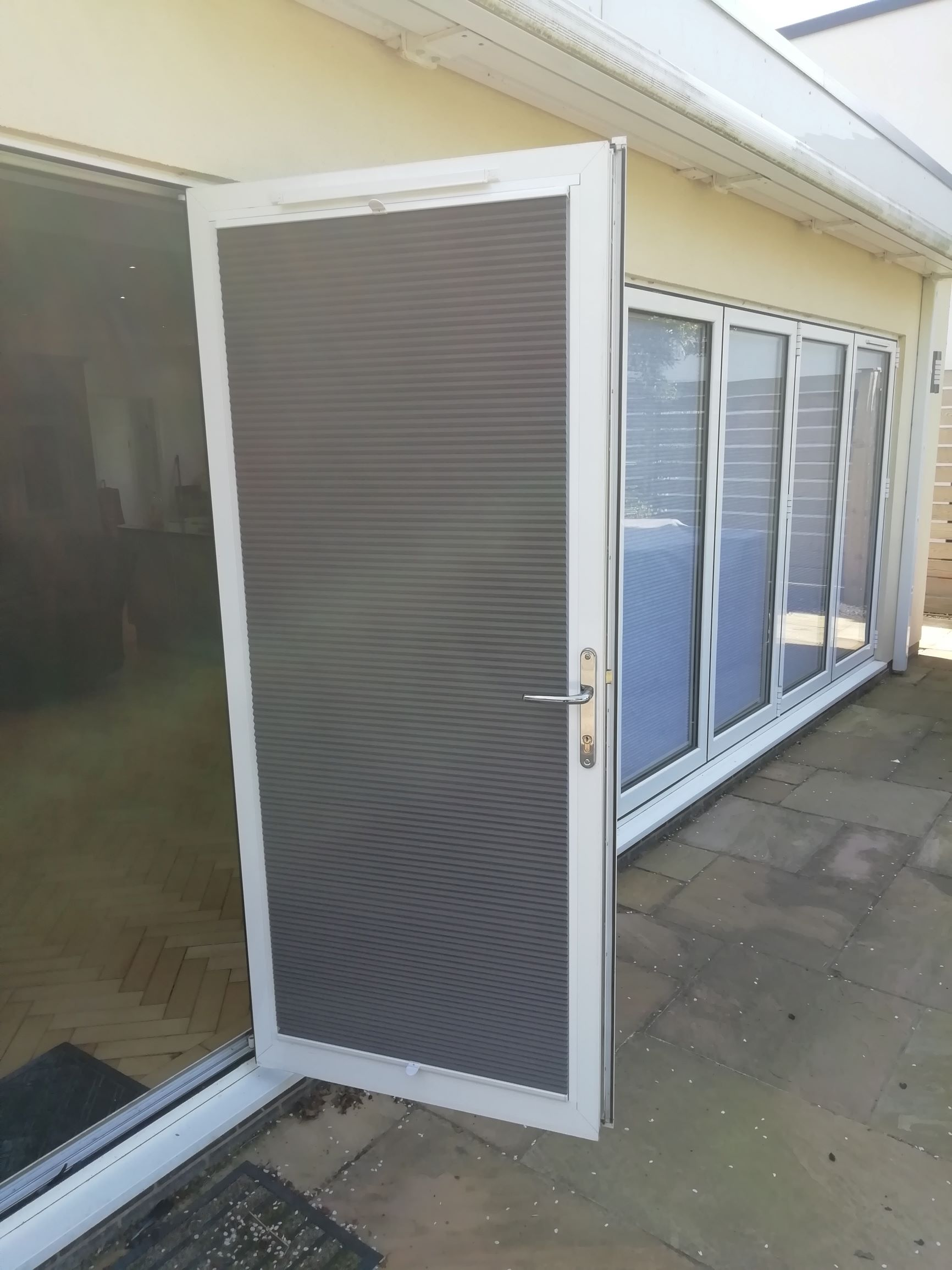 Matching bifold door blinds